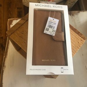 NEW IN BOX~ MICHAEL KORS IPHONE 7 PLUS CASE